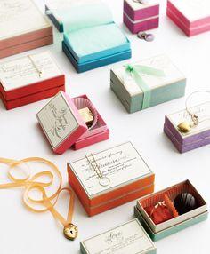 Favor boxes! Love!