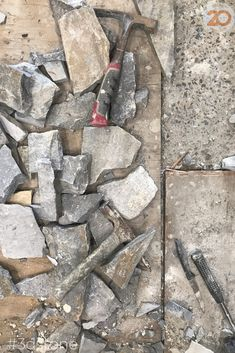 The tools of the trade 👉🏽 and the outcome risen from the rubble. This Cape stone wall feature laid by @aspen_stone_construction exudes natural beach vibes, especially underneath a white raked ceiling. We can't wait to see this project finished! #3dstone . #cape #walling #design #cladding #hamptons #greystone #homedecor #australianarchitecture #walls #stonefacade #featurewall #stackedstone #stone #naturalstone #walldecor #instagood #facadedesign #classicdesign #outdoordesign…