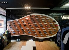 The Vans Store at Covent Garden in London uses their iconic shoe bottom to draw people to the back of the store. #Branding #Vans #UK