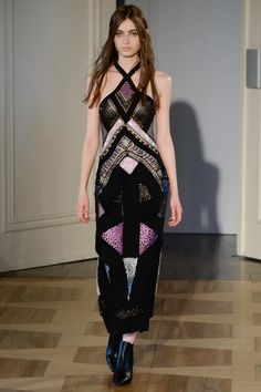 See the complete Augustin Teboul Berlin Spring 2017 collection.