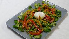 Salade petits pois, oeuf mollet et poivrons confits