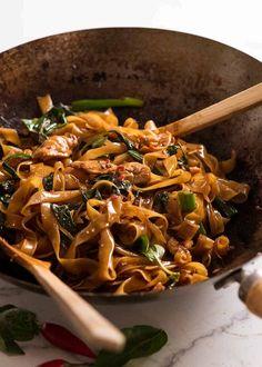 Drunken Noodles (Pad Kee Mao) - Thai Drunken Noodles in a wok, fresh off the stove - Thai Drunken Noodles, Spicy Drunken Noodles Recipe, Fresh Rice Noodles Recipe, Thai Chicken Noodles, Thai Rice Noodles, Thai Basil Chicken, Recipetin Eats, Thai Street Food, Cooking Recipes