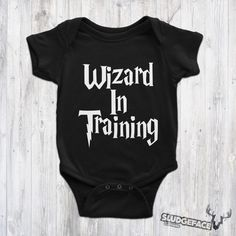 Harry Potter Inspired I'm A Free Elf Bodysuit / Cute Dobby Cute Harry Potter, Baby Suit, Clothing Tags, Funny Outfits, Mischief Managed, Pretty And Cute, Kid Styles, Dobby, Funny Babies