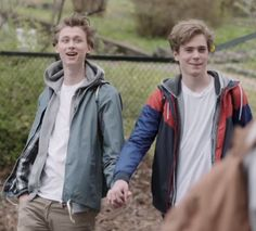 Even + Isak Evak! Skam! alt er love — cuteandtwisted: OH. MY. GOD.
