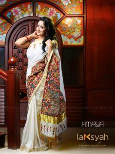 Kavya Madhavan in Kerala Set Saree Stills Kalamkari Dresses, Kalamkari Saree, Kerala Saree, South Indian Sarees, Kerala Traditional Saree, Set Saree, Saree Dress, Kasavu Saree, Simple Sarees