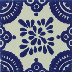 With Mexican tiles you can have a beautiful environment full of special details, you can use this Mexican Talavera tile to your home decor. Stencil Painting, Ceramic Painting, Fabric Painting, Tile Art, Mosaic Tiles, Tile Patterns, Print Patterns, Mermaid Mugs, Blue Tiles