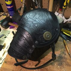 Pauldrons with filigree Larp, Sca Armor, Medieval Armor, Viking Armor, Armadura Medieval, Steampunk, Leather Working, Real Leather, Elmo