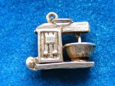 VINTAGE-STERLING-SILVER-CHARM-FOOD-MIXER-OPENS