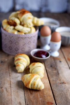 Breakfast Rolls - Fluffige Hörnchen & Pflaumen-Vanille-Marmelade | Das Knusperstübchen