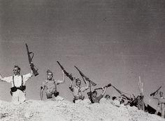 5 septiembre 1936. Cerromuriano.  Cordoba. Guerra Civil Española.  El hombre de la izquierda es el miliciano de la famosa foto de Capa (o de Taro).