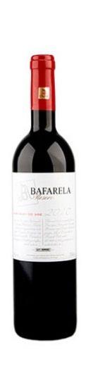 #wine #bafarela #douro Aromas doces de fruta madura mas com um apoio vegetal que lhe permite não se tornar cansativo. Boa finura, perfil jovem mas equilibrado. Boa proporção na boca, boa aptidão gastronómica.