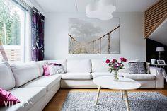 Tälle sohvalle mahtuu koko perhe 👌 tämä kiva koti löytyy osoitteesta ➡ #kalkunvuorenkatu 7 #tampere 👉 www.villalkv.fi 👈 #asuntounelmia #unelma (paikassa VILLA LKV)