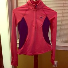 Hollister sportswear Long sleeve sportswear, hot pink with dark blue on the side. Only been wore once. Condition: 10/10 ‼️ Hollister Tops