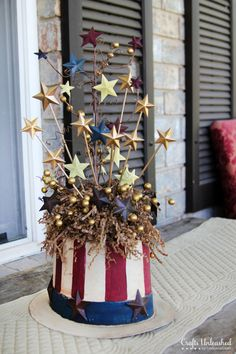 Patriotic DIY Uncle Sam Centerpiece ~ Step-by-Step Tutorial ~ via www.craftsunleashed.com