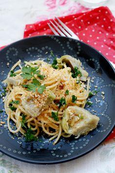 Spaghetti with fresh artichokes with panko