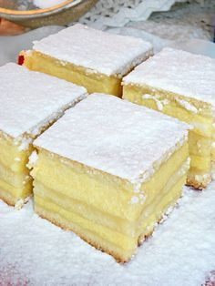 Reteta Placinta cu iaurt din categoria Dulciuri diverse Romania Food, Romanian Desserts, Romanian Recipes, Yogurt Cake, Pastry Cake, Food Cakes, Sweet Cakes, Cake Recipes, Bakery