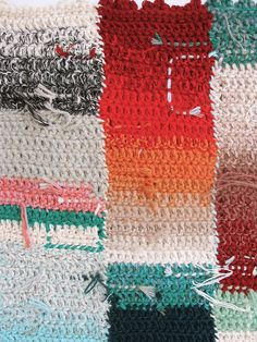 I love that the loose ends are woven in as part of the design. Amazing idea for an artistic blanket.