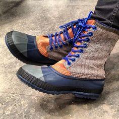 Sorel boots re-designed, blue laces!