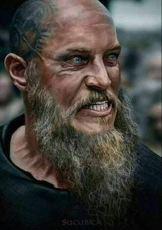 Vikings Ragnar Lothbrok Travis Fimmel The older and crazier they made the character the hotter he became. Ragnar Lothbrok Vikings, Ragner Lothbrok, Vikings Show, Vikings Tv Series, Viking Life, Viking Warrior, Rey Ragnar, Ivar Vikings, Bracelet Viking