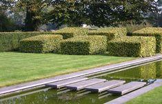 Jan Joris TuinArchitectuur Lush Garden, Water Garden, Water Walls, Water Features In The Garden, Green Architecture, Trees And Shrubs, Topiary, Spas, Hedges