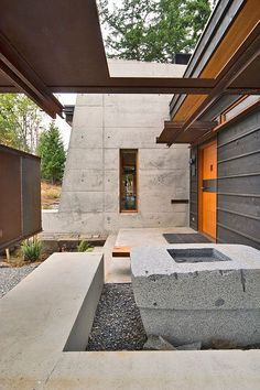 The Cady Mountain Home on San Juan Island, Washington was designed by Prentiss Architects.