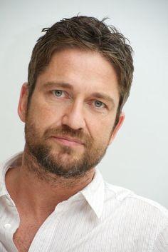 Gerard Butler, male actor, celeb, beard, powerful face, intense eyes, handsome, sexy, steaming hot, eyecandy, portrait, photo