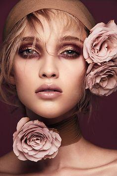 41 Ideas Nature Beauty Photography Women Inspiration For 2019 Beauty Photography, Photography Women, Amazing Photography, Fashion Photography, Photography Magazine, Photography Flowers, Artistic Photography, Make Up Looks, Portrait Fotografie Inspiration