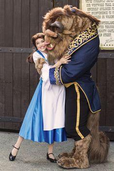 Disney Character Cosplay Beauty and the Beast Disney Couples, Disney Love, Disney Magic, Disney Pixar, Walt Disney, Disney Fairies, Disneyland Princess, Disneyland Paris, Beauty And The Beast Movie