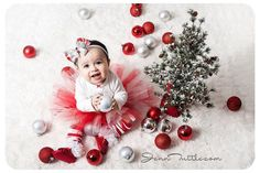 Candy Cane tutu perfect for Christmas photo shoots Baby Kalender, Family Christmas Pictures, Xmas Pics, Christmas Pics, Foto Baby, Baby Girl Photos, Baby Girl Photography, Family Photography, Christmas Photography