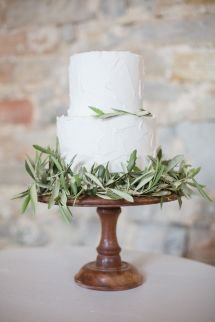 Pretty rustic-organic inspired cake: http://www.stylemepretty.com/destination-weddings/2015/08/18/achingly-romantic-inspiration-shoot-inspired-by-the-love-letter/ | Photography: Cecelina Photography - http://cecelinaphotography.com/
