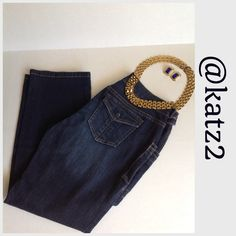 """Simply Vera, Vera Wang Ankle Jeans Straight leg, ankle-length, cropped jeans. Gently worn. 99% Cotton 1% Spandex Approx. 25"""" inseam length 🚫 Trades 🚫 Holds Simply Vera Vera Wang Jeans Ankle & Cropped"""