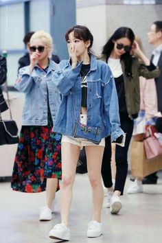 girls generation, snsd, and taeyeon image Taeyeon Fashion, Fashion Idol, Girl Fashion, Female Fashion, Airport Fashion Kpop, Kpop Fashion, Asian Fashion, Kpop Outfits, Airport Style