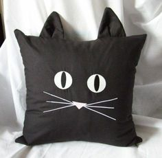 Sewing Pillows This is sooooo cute! Black Cat Face Pillow Cover Embroidered Glow In Dark - Fabric Crafts, Sewing Crafts, Sewing Projects, Kids Pillows, Throw Pillows, Embroidered Towels, Cat Pillow, Cushion Pillow, Cat Quilt