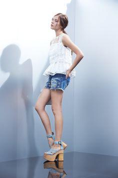 Crop white shirt with balloon waist