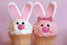 These BFF bunnies. | 30 Animal Cupcakes Too Cute To Eat