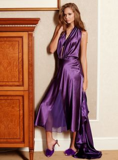 This stunning Pierre Cardin satin nightdress looks like it could be worn on a night out as well as in the bedroom!