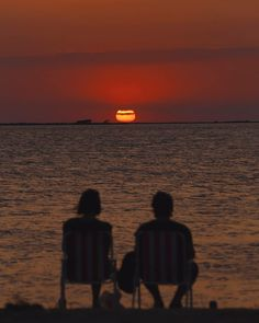 ou, me & sunset ❤ Couple Aesthetic, Summer Aesthetic, Aesthetic Pictures, Foto Face, Teenage Dream, Film Photography, Summer Vibes, Aesthetic Wallpapers, Cute Couples