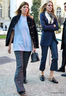Virginia Smith, fashion market and accessories director from Vogue, Gucci Kangaroo-Fur-Lined Slippers #streetstyle #Paris #pfw by peopleandstyles.com