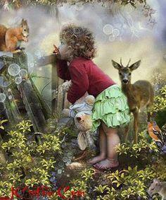 Total niedlich, wie die Kleine die Tiere beobachtet.