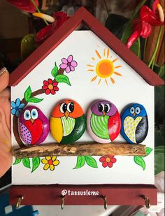Doğal Taş Boyama – Hobi Diyarı Stone Crafts, Rock Crafts, Diy Arts And Crafts, Creative Crafts, Paper Crafts, Stone Art Painting, Pebble Painting, Pebble Art, Rock Painting Patterns