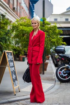 Kate Davidson Hudson between the fashion shows. The post New York SS 2018 Street Style: Kate Davidson Hudson appeared first on STYLE DU MONDE Cute Girl Outfits, Cute Outfits For Kids, Children Outfits, Ny Fashion Week, New York Fashion, Street Fashion, City Outfits, Fashion Outfits, School Outfits