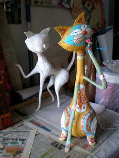 Top 30 Crafty Paper Mache Projects You Can Try For Yourself - papier mache Paper Mache Projects, Paper Mache Clay, Paper Mache Sculpture, Sculpture Art, Craft Projects, Paper Mache Bowls, Cat Crafts, Diy And Crafts, Arts And Crafts