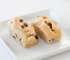 Blondies- use the new Perfect Petites mold to get the perfect size for a bite of dessert! Menu Desserts, Healthy Dessert Recipes, Real Food Recipes, Epicure Recipes, Low Carb Recipes, Tupperware Recipes, Specialty Cookware, Baked Rolls, Good Food