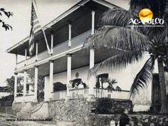 #acapulcoeneltiempo El antiguo consulado de Estados Unidos en Acapulco. ACAPULCO EN EL TIEMPO. A principios del siglo pasado, sobre la calle de Hidalgo en el centro de Acapulco, se encontraba el consulado de Estados Unidos, una de las primeras casas de alto nivel de la época, la cual posteriormente fue demolida y en su lugar, se construyó un centro de teléfonos. Para obtener más información, visita la página oficial de Fidetur Acapulco.