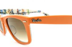Ray-Ban arancioni con aste interne a fantasia