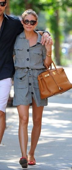 Who made Olivia Palermo's sunglasses, tan purse and sunglasses that she wore in New York on September 1, 2010? Shoes – Sturdy French Sole  Sunglasses – Tom Ford  Purse – Hermes