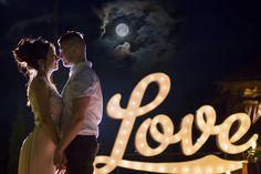 Вывеска love.Декор свадьбы или фотосессии.Буквы с лампочками. instagram:craft_and_lamp