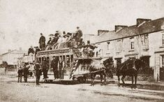 Horsedrawn railway carriage on the Mumbles Railway - photographer unknown Wales Map, Old Trains, Cymru, Swansea, South Wales, National Museum, Welsh, Old Photos, Past