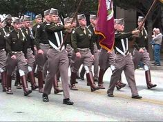 ▶ Texas A&M Corps of Cadets March In (Austin TX 2010) - YouTube