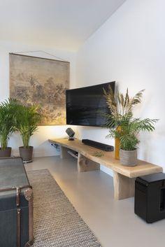 Living Room Decor, Living Spaces, Japanese Style House, Living Room Tv Unit Designs, Living Comedor, Home Office Setup, Home Tv, Interior Decorating, Interior Design